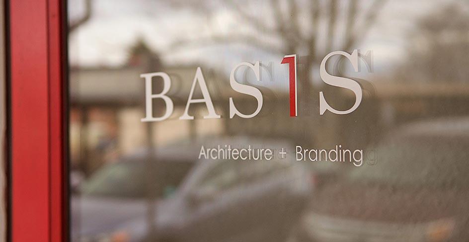 bas1s-signage